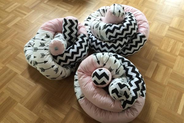 Bettschlangen, schwarz, rosa, ©Grossstadtindianer, Sabrina Blaser